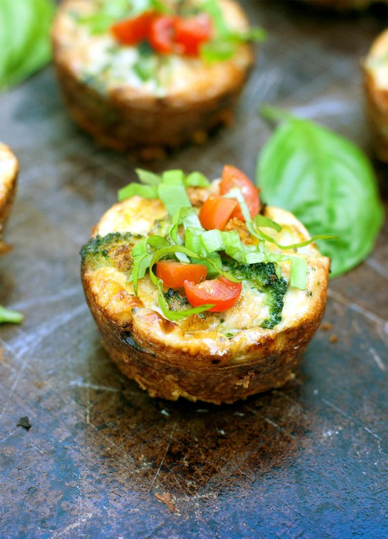 idee aperitivo fatto in casa patate dolci al forno con verdure tagliate a pezzettini