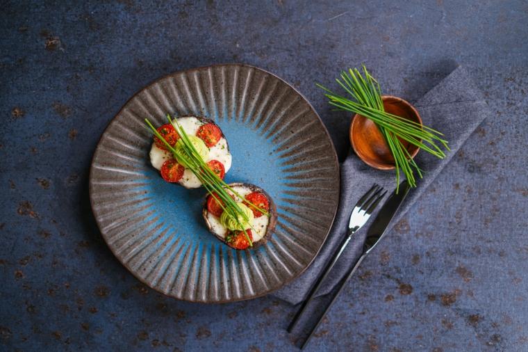 idee per pranzo veloce funghi ripieni con pomodorini ciotola con erbette