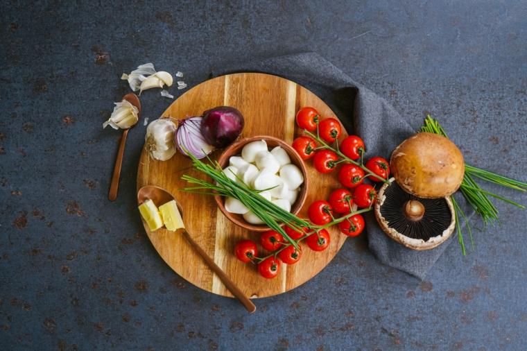 ingredienti per funghi ripieni cosa cucino oggi a pranzo verdure e rametto di pomodorini