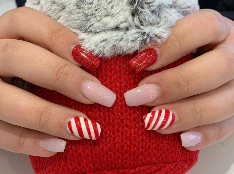 manicure natalizia colori unghie semipermanente smalto bianco e rosso