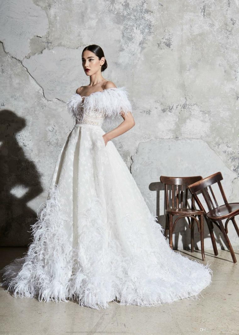 modelli 2021 abiti da sposa vestito da cerimonia bianco con piume