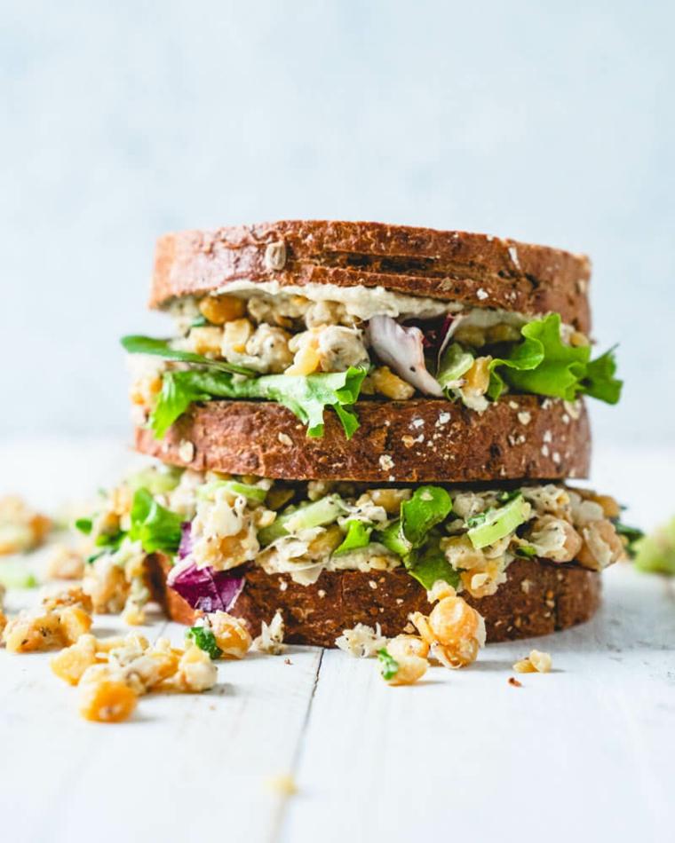 panino con ceci e insalata verde ricetta sandwich per pranzo al sacco