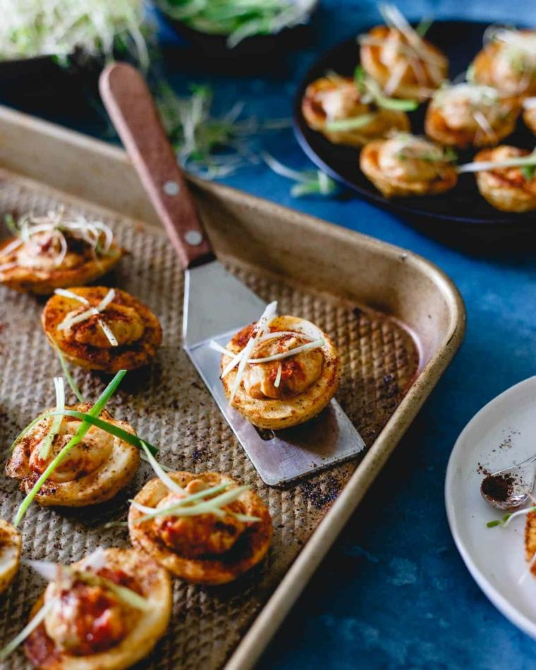 patate novelle al forno con salsa hummus idee aperitivo finger food