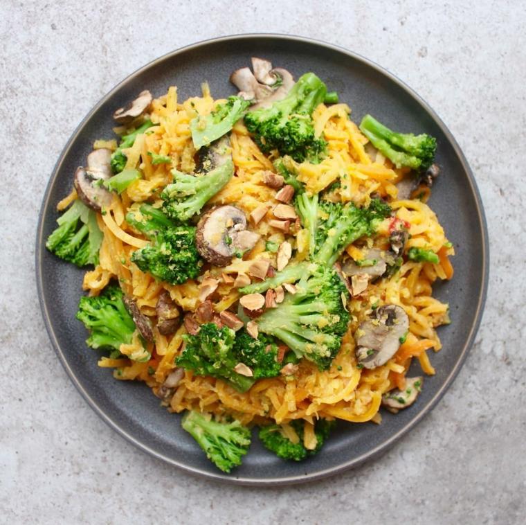 ricette facili al microonde piatto con formaggio cheddar e broccoli