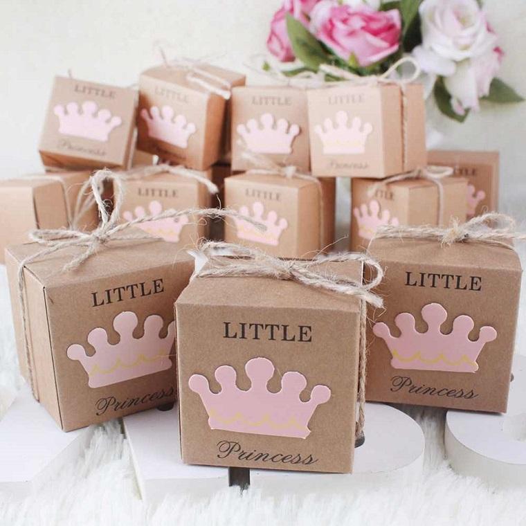 scatolette di carta per battesimo bimba portaconfetti decorati con sticker corona