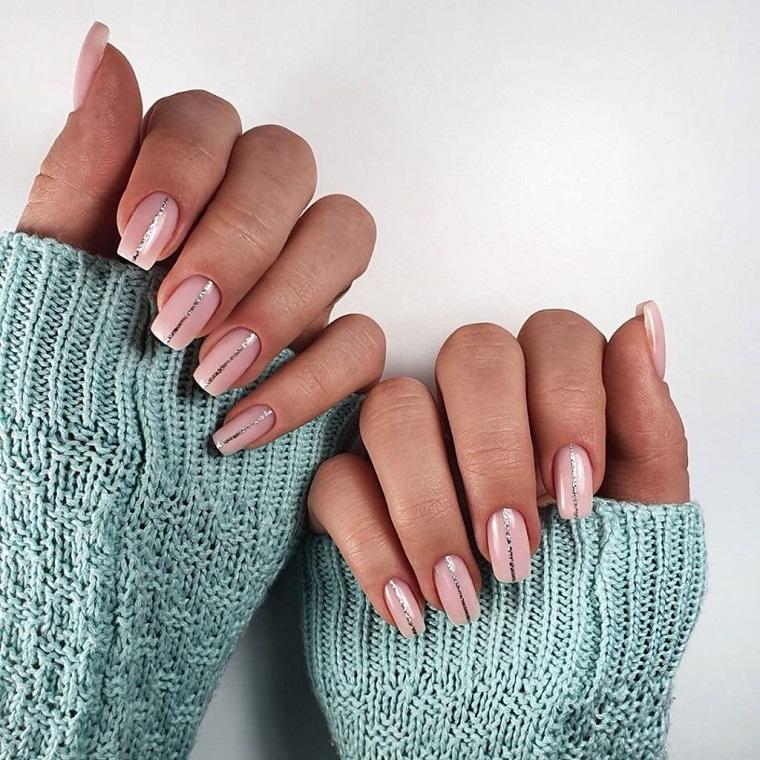 unghie inverno 2020 colore rosa ombre con stras argento manicure forma quadrata