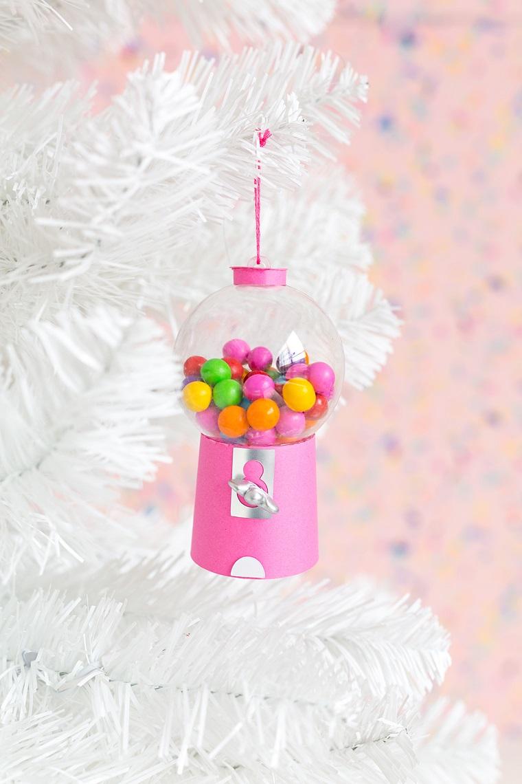 gumball machine decorazioni natalizie fai da te 2020 albero di natale bianco con ornamenti