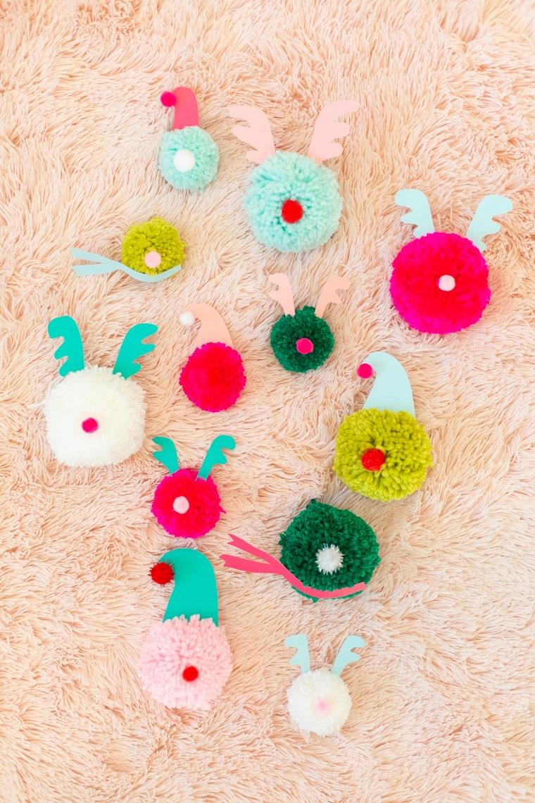 addobbi natalizi fai da te 2020 pom pom di lana colorata con cappuccio di carta