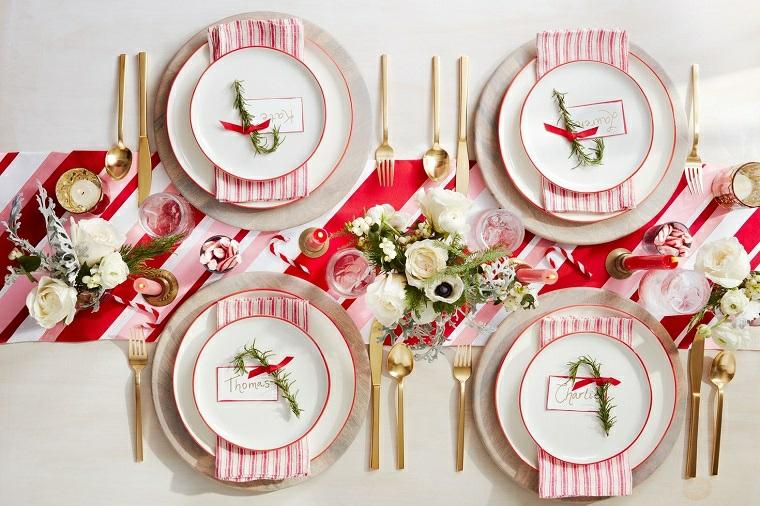 addobbi natalizi per tavola da pranzo runner rosso bianco segnaposto con bigliettino personalizzato