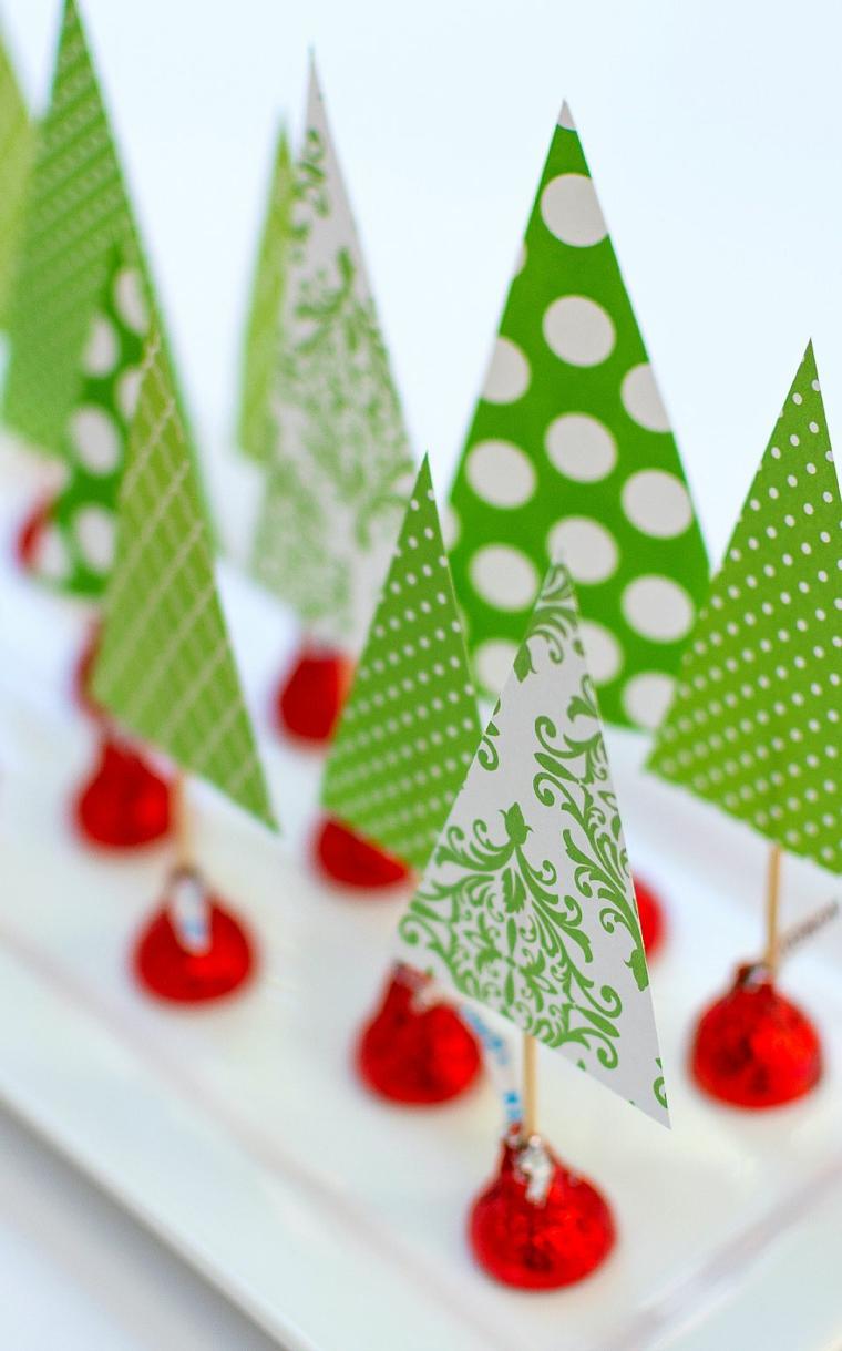 addobbi tavola natalizia mini alberelli di natale di carta decorazioni centrotavola