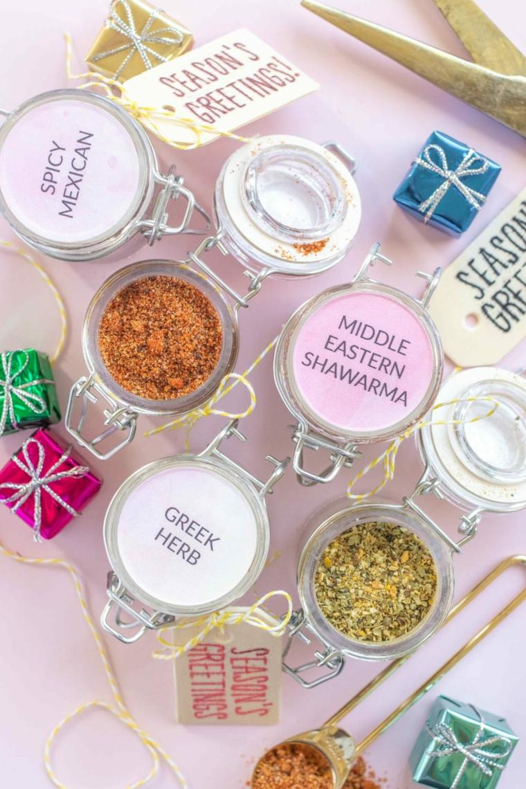 barattoli di vetro con spezzie etichette personalizzate regali di natale economici
