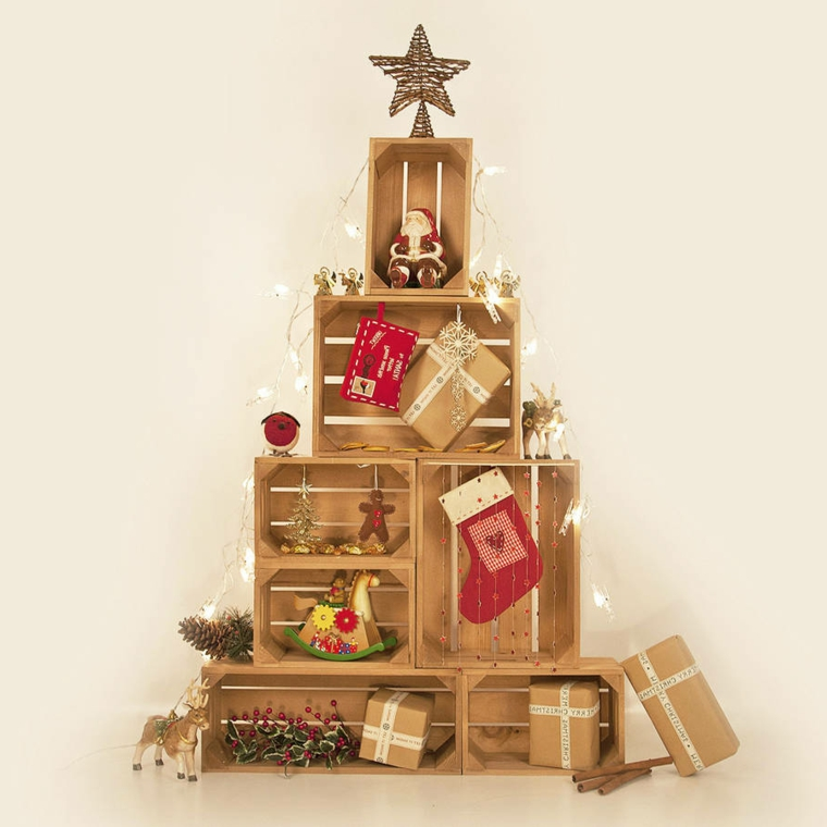 cassette di legno con decorazioni natalizie idea alternativa per alberello fai da te