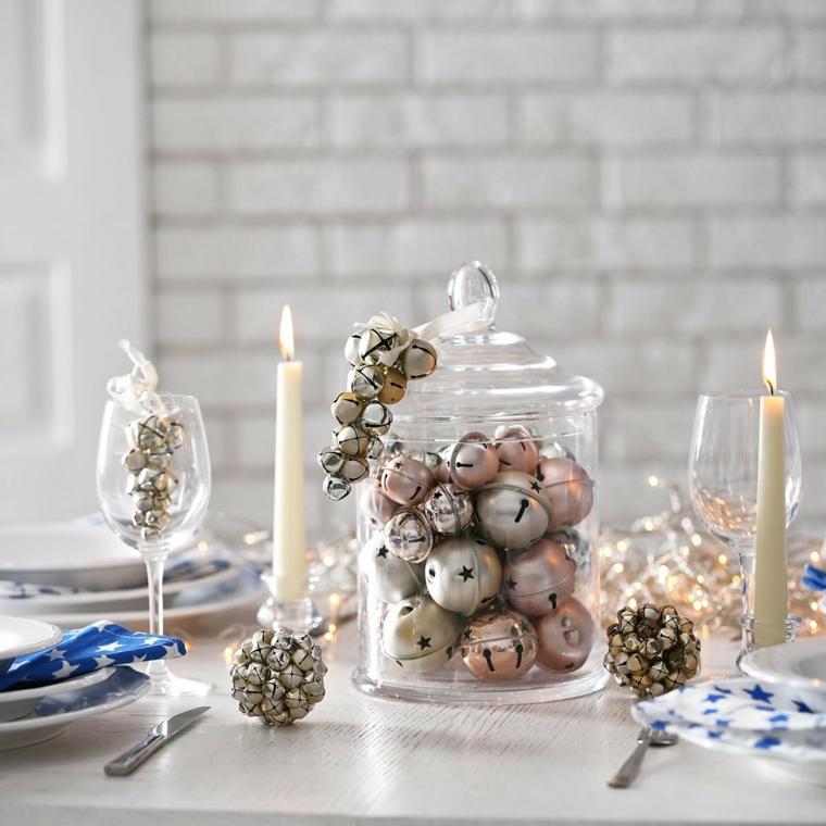 centrotavola natalizi moderni barattolo di vetro con palline natalizie