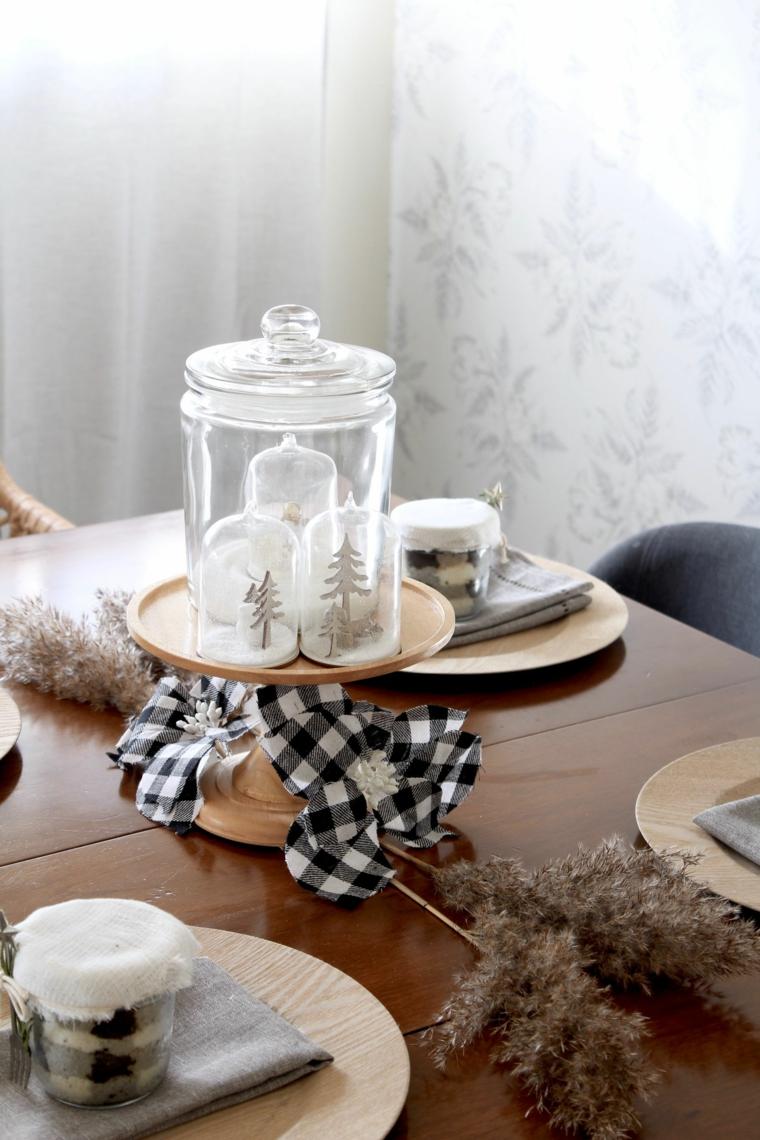 come apparecchiare la tavola a natale centrotavola con decorazioni