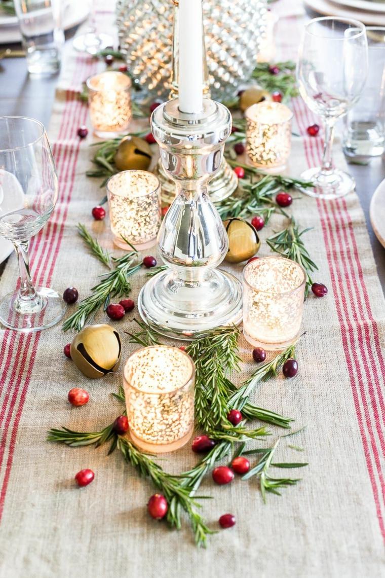 come apparecchiare la tavola a natale fai da te centrotavola con candele e fogliame