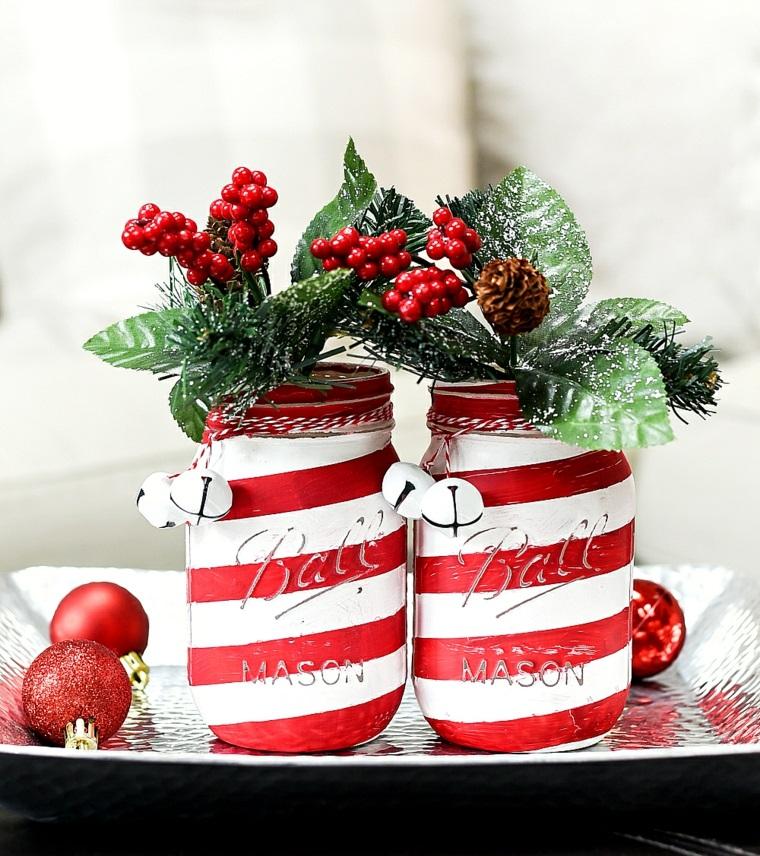 decorazione tavola natalizia barattolo di vetro dipinto decorato con bacche e pigne