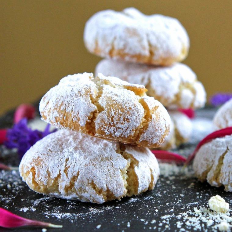 dolci natalizi pugliesi biscotti amaretti con mandorle dolcetti di natale