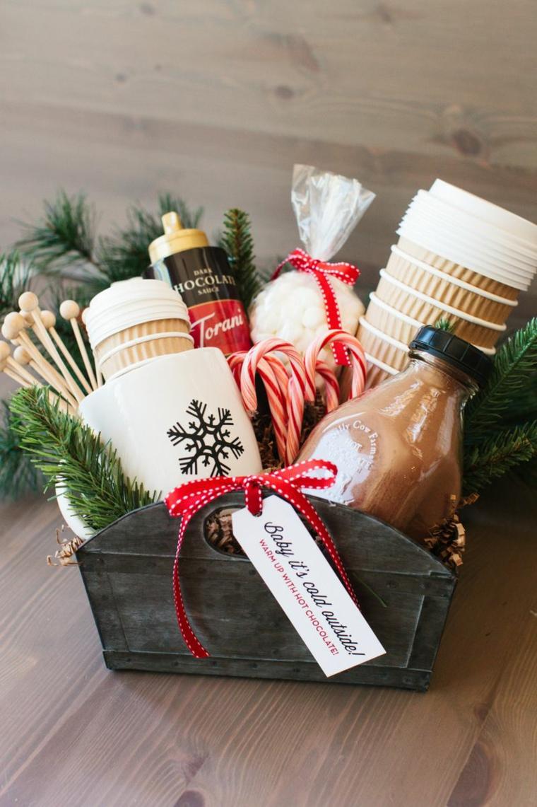 kit regalo per caffè cosa regalare a natale a una ragazza cestone con ingredienti