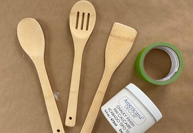 materiale per personalizzare regali green fai da te nastro adesivo vernice bianca