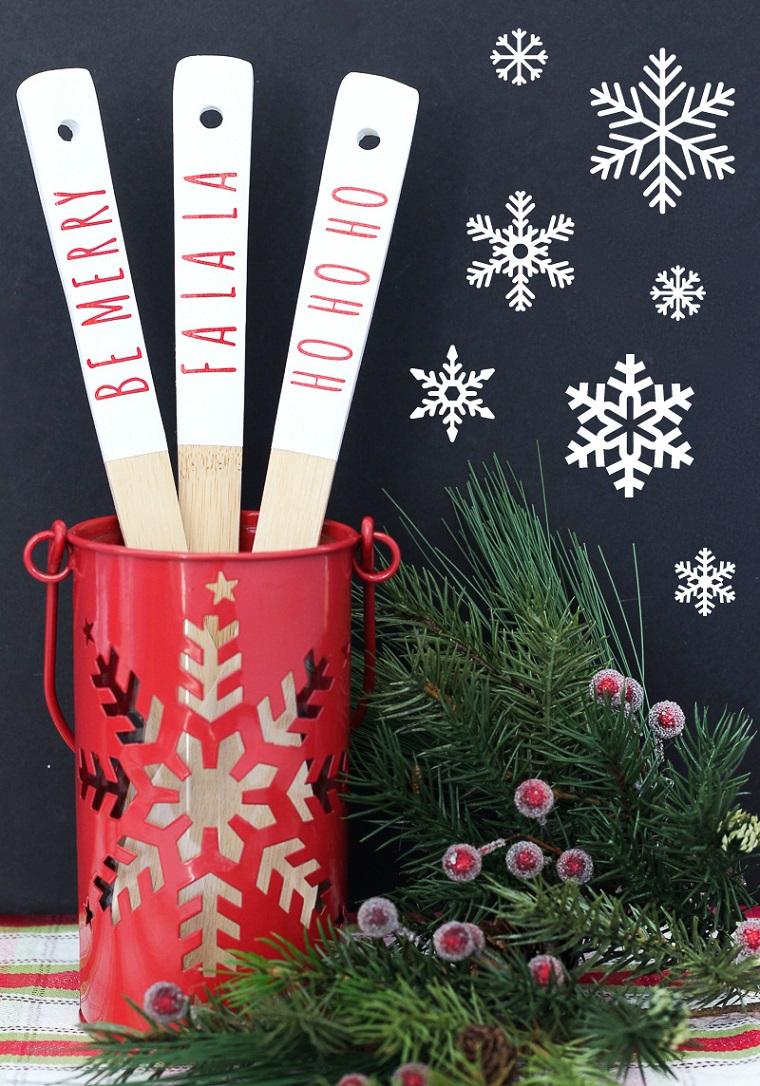 mestoli di legno personalizzati idee regalo fatte a mano decorazioni di natale con rametti