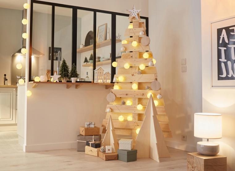 palline di natale fai da te 2020 albero natalizio di pallet con luci
