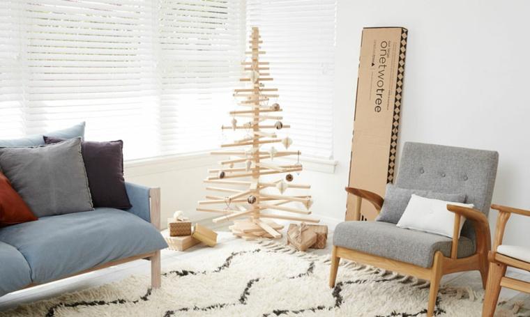soggiorno stile scandinavo albero di natale di legno decorato con palline e ghirlande
