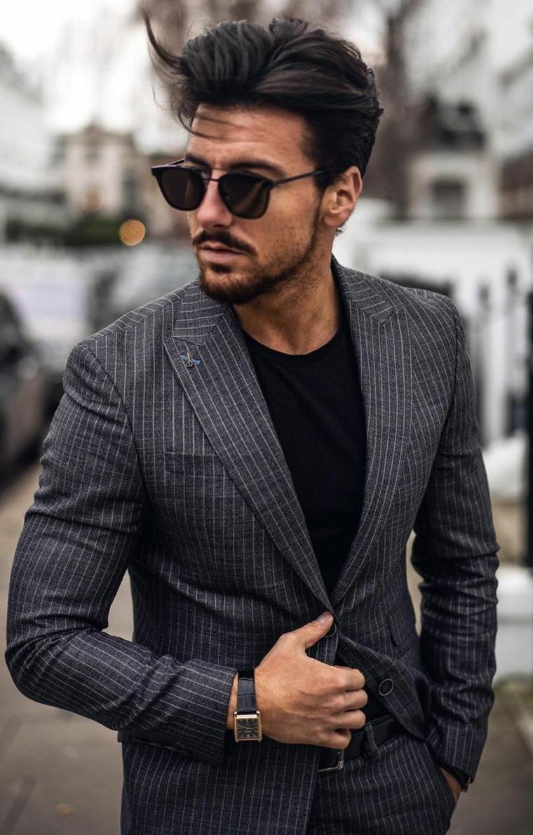 tagli capelli medi uomo ragazzo con occhiali da sole acconciatura maschile