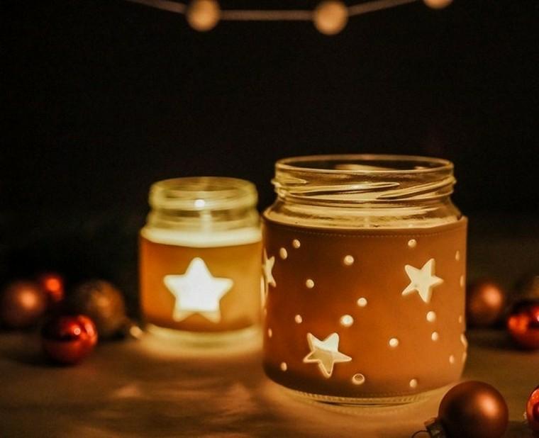 barattolo di vetro con candela di natale decorazione portacandele con stencil di stelle