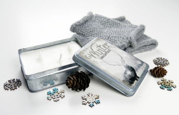 candele addobbate per natale scatola di metallo con tre candele decorazione composizioane con pigne