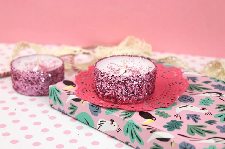 candele natalizie particolari portacandele decorato con glitter rosa