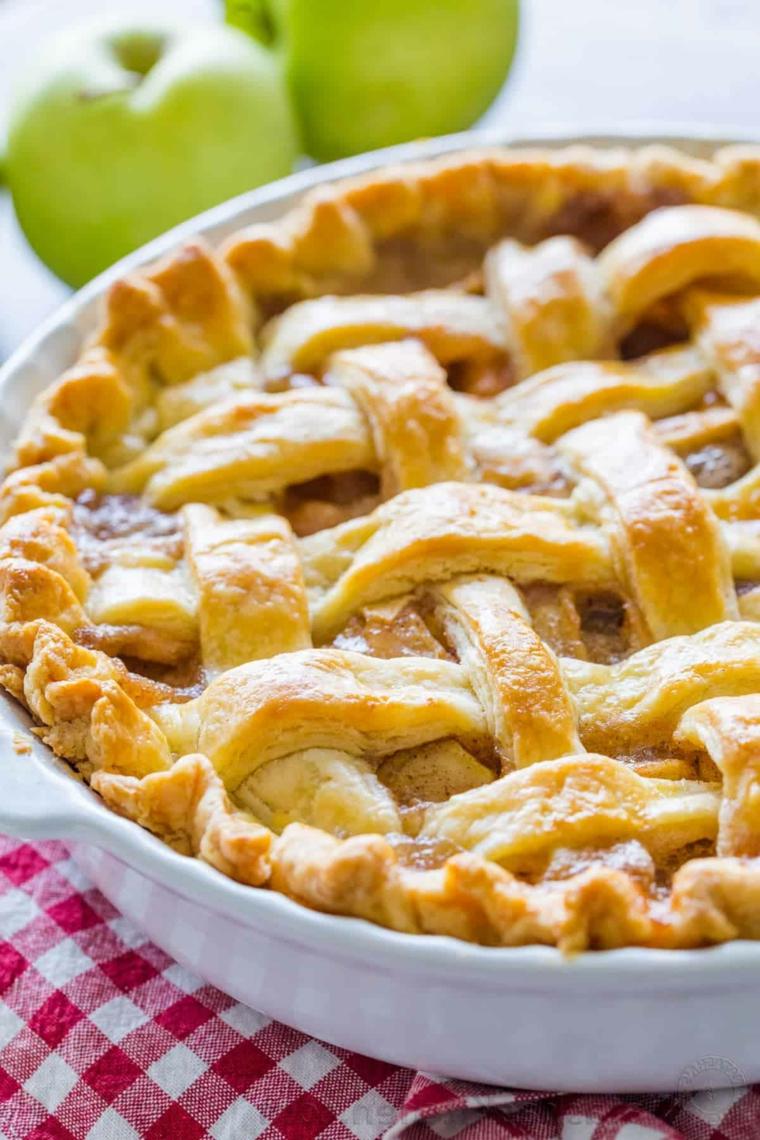 crostata alle mele torta con impasto morbido senza latte due mele verdi