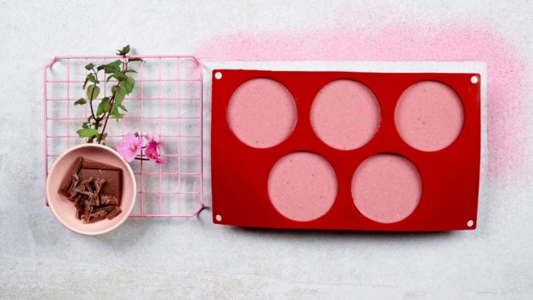 forma di silicone con panna cotta ai lamponi come preparare un dolce al cucchiaio