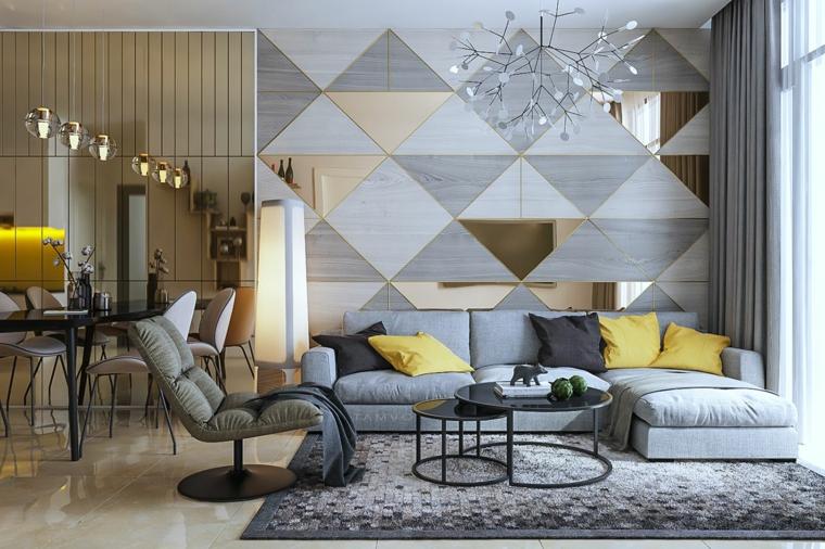 parete soggiorno dipinta grigio e vetro decorazione con cuscini gialli colori pantone 2021