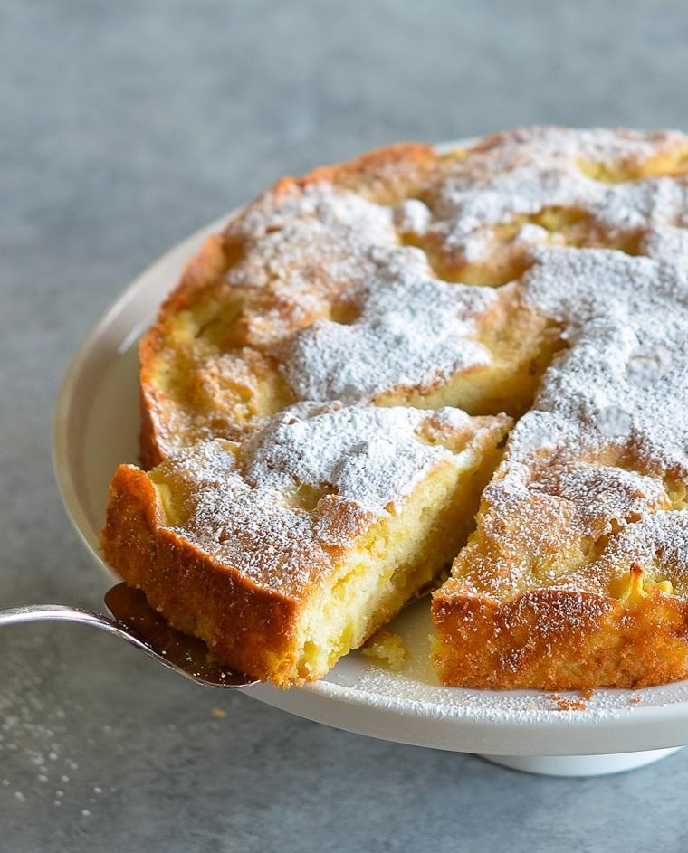 torta di mele morbidissima ingredienti per fare apple pie dolce ricoperto con zucchero a velo