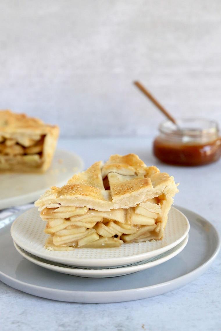 torta di mele soffice piatto con dolce alla mela con pasta brisee