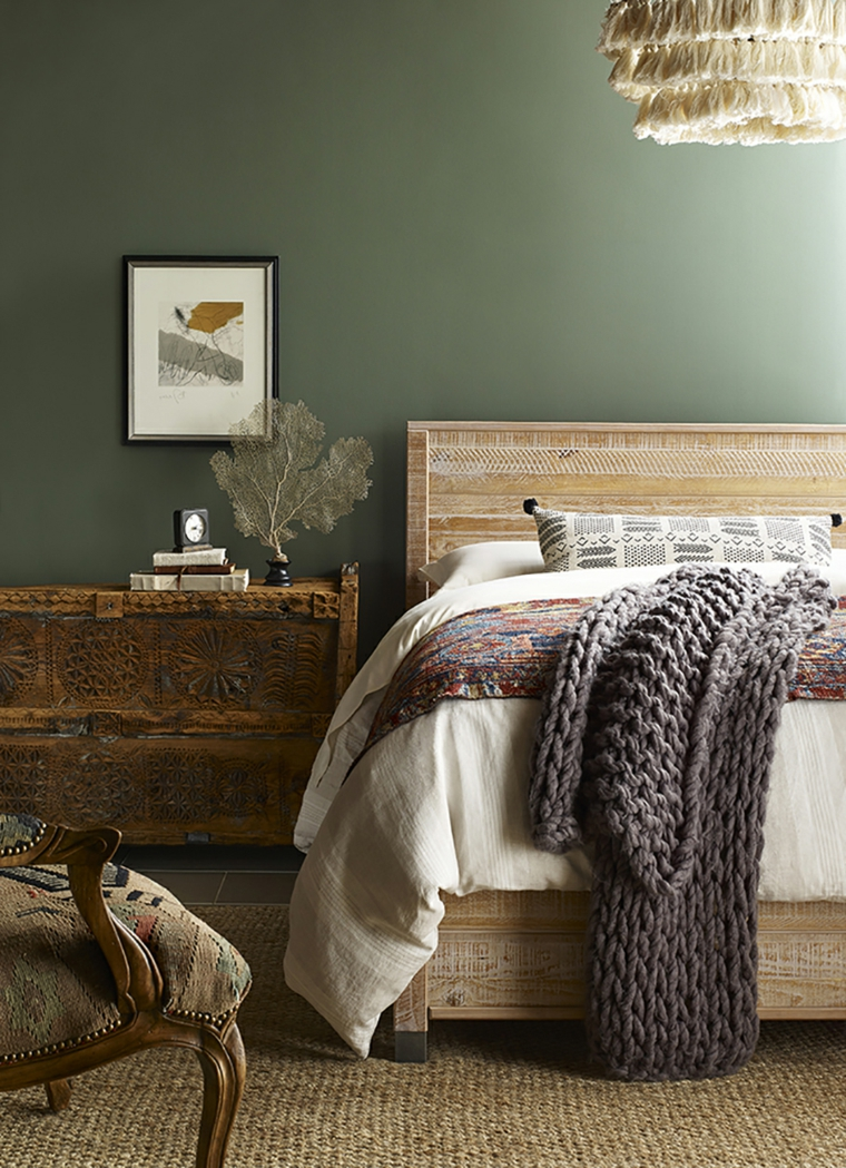 abbinare colori pareti e mobili pittura verde arredamento tonalità color legno