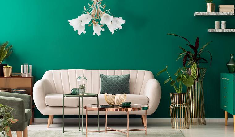 colore parete verde acqua soggiorno con divano bianco decorazione con piante da appartamento
