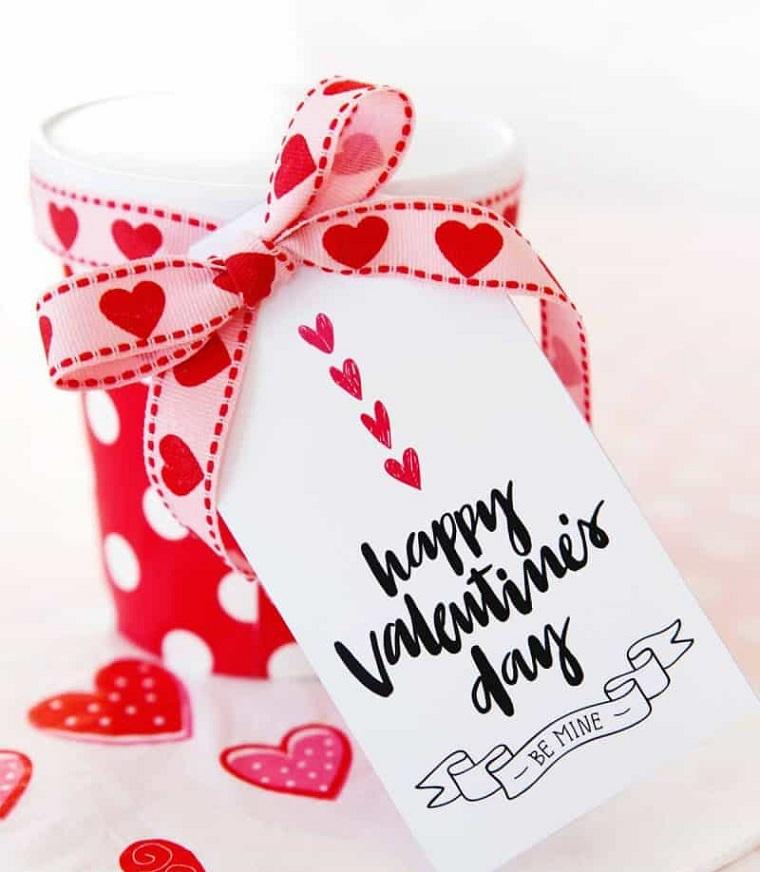 cosa posso regalare al mio ragazzo per stupirlo tazza rossa personalizzata con bigliettino per san valentino