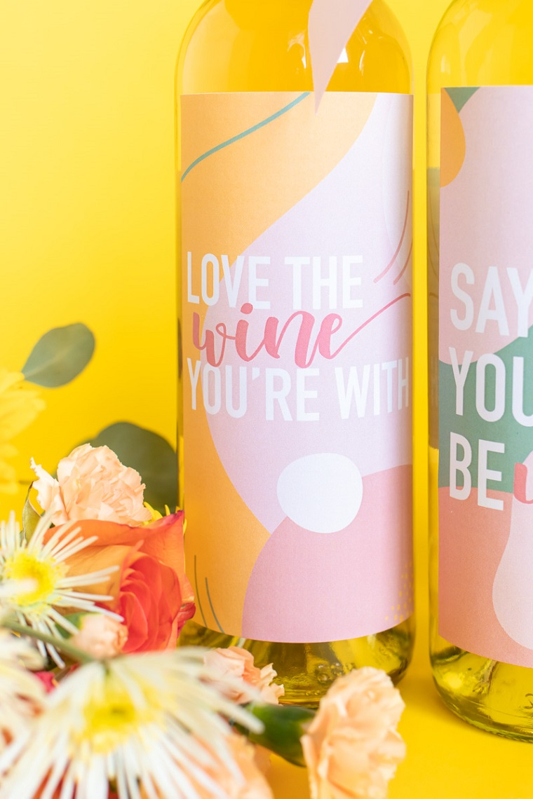 decorazione bottiglia di vino bianco etichetta personalizzata sorprese romantiche per lui fatte in casa