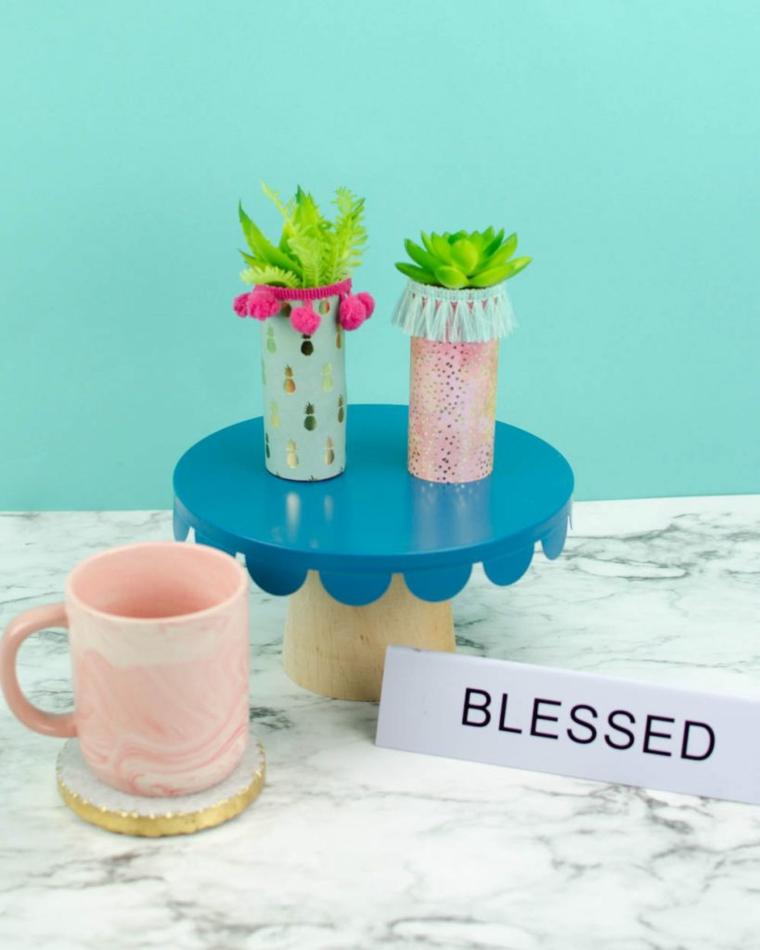 lavoretti riciclo creativo per bambini piccoli vasi per piante grasse decorati con nastri washi tape