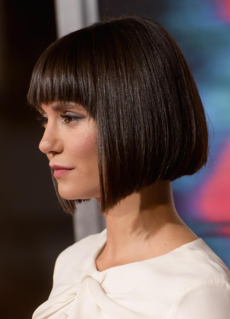 nina dobrev taglio di capelli caschetto tagli capelli corti inverno 2021