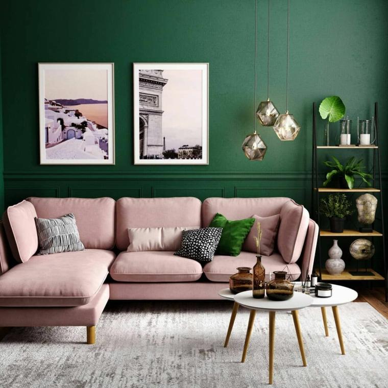 palette colore verde abbinato al rosa salotto con divano tavolini bassi da caffè