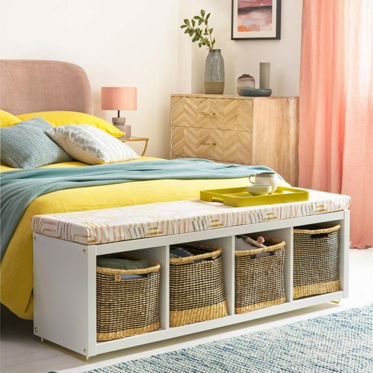panchina di legno con cesti pittura camera da letto tortora abbinamento colore rosa e giallo