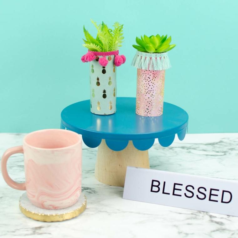 piccoli vasi per piante grasse rotoli carta igienica lavoretti decorare con carta adesiva