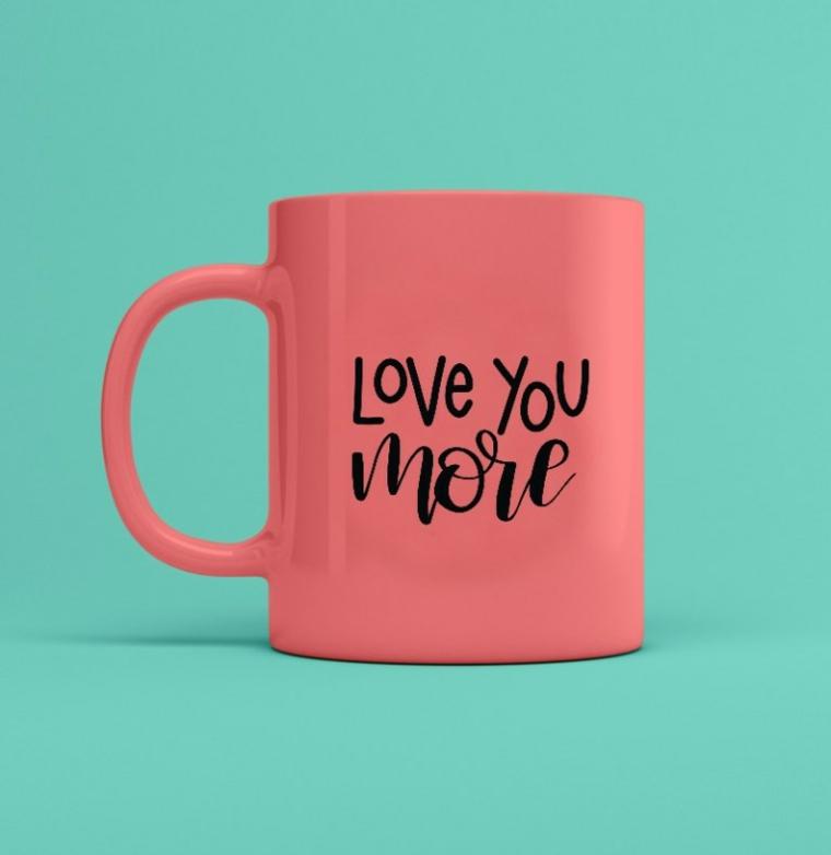 regali san valentino personalizzati tazza rosa con scritta love you more