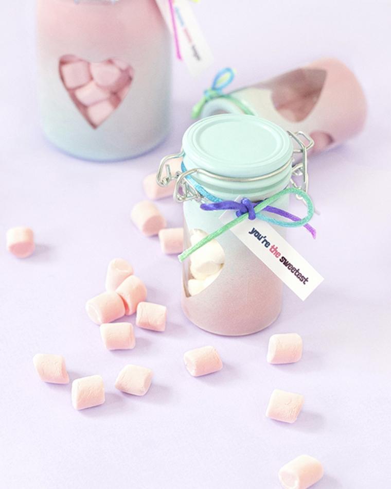 sorprese per lui fai da te barattolo decorato con cuore caramelle regalo san valentino