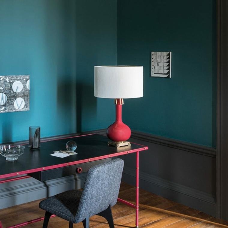 tinte per pareti camera da letto tonalità colore blu scrivania e poltrona