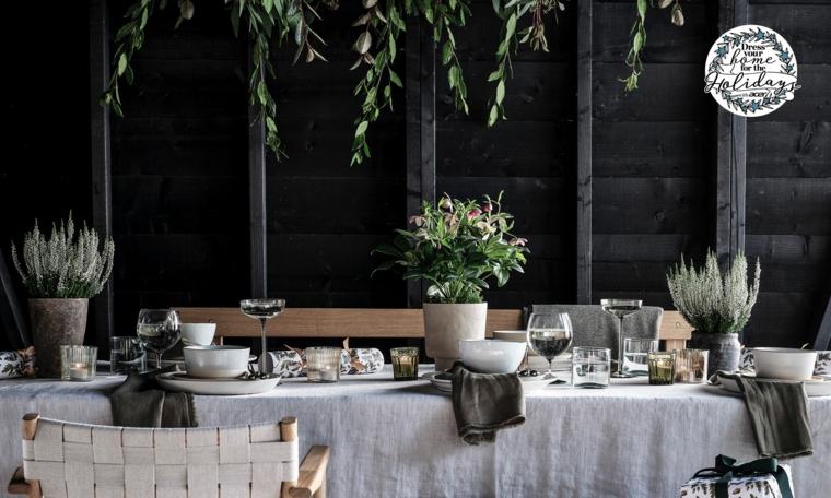 centrotavola con pianta verde disposizione bicchieri a tavola