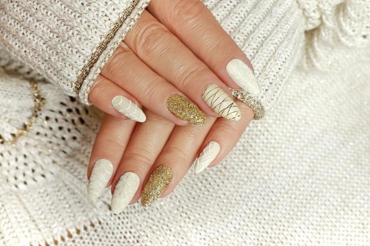 colori unghie autunno 2021 smalto di colore bianco accent nail oro glitter