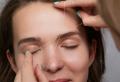 Come fare le sopracciglia: modellare con pinzetta e filo, make up!